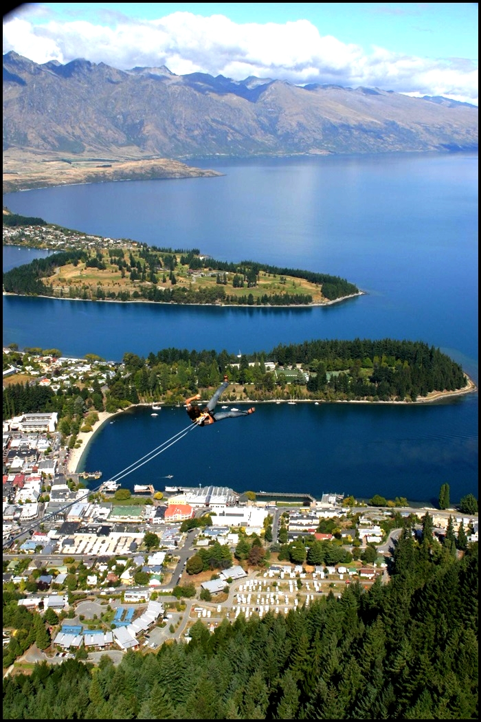 Queenstown, sky swinging