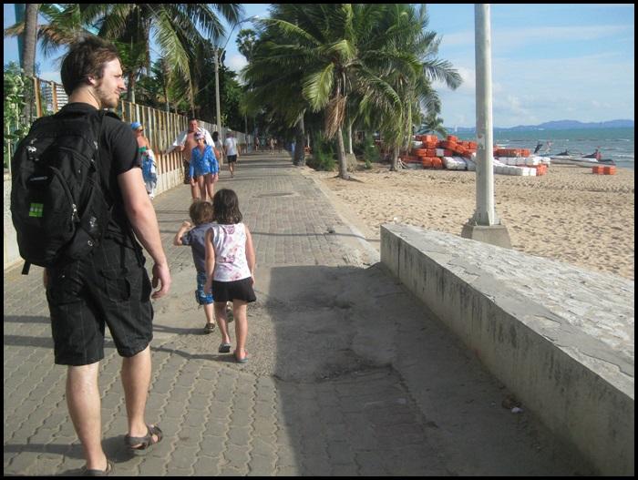 Pattaya beach avec des enfants