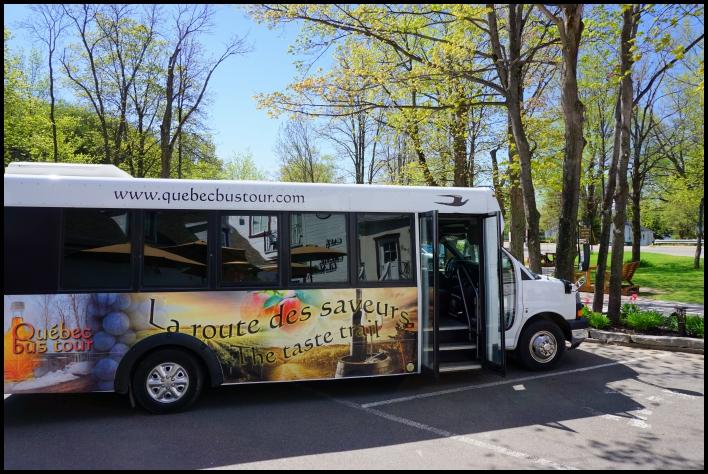 Quebec bus tour route des saveurs île d'Orléans