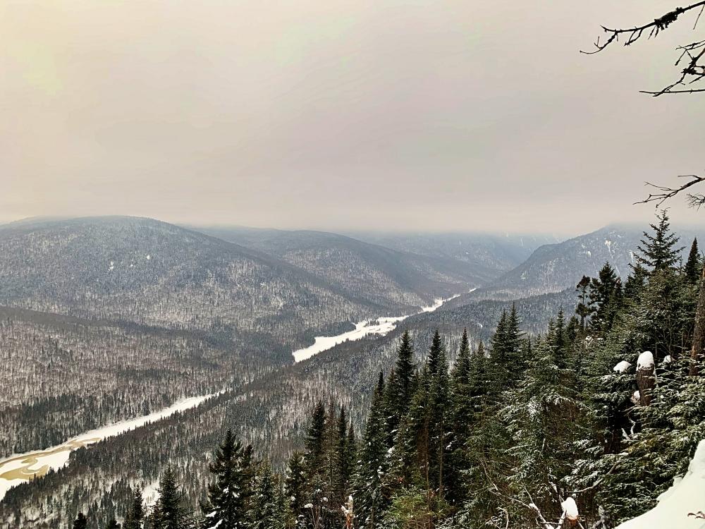 Sentier de l'Escarpement, parc national de la Jacques-Cartier en hiver